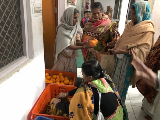 Fruits being given to the widows on the day of fasting